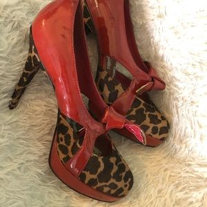 Betsey Johnson red and leopard Heels 6.5